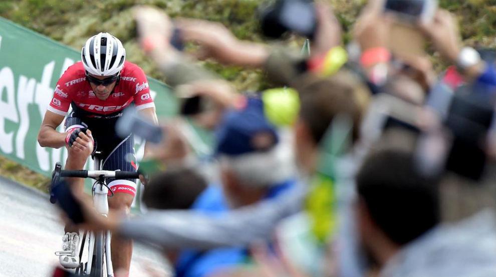 Alberto Contador durante la subida a Los Machucos.