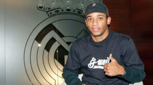 Marcelo, antes de firmar su contrato con el Real Madrid