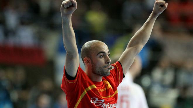 Albert Rocas, en un partido con la selección española.