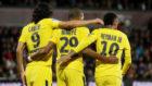 Cavani, Mbapp� y Neymar celebran uno de los goles del PSG.