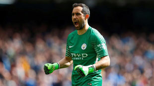 Bravo celebra uno de los goles del City.