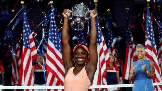 Sloane Stephens levanta el trofeo como ganadora del US Open 2017