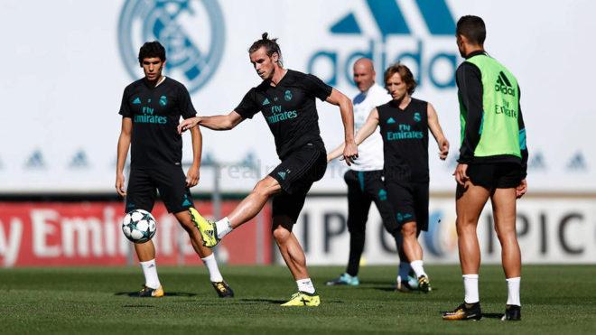 Bale, en el entrenamiento del Madrid.