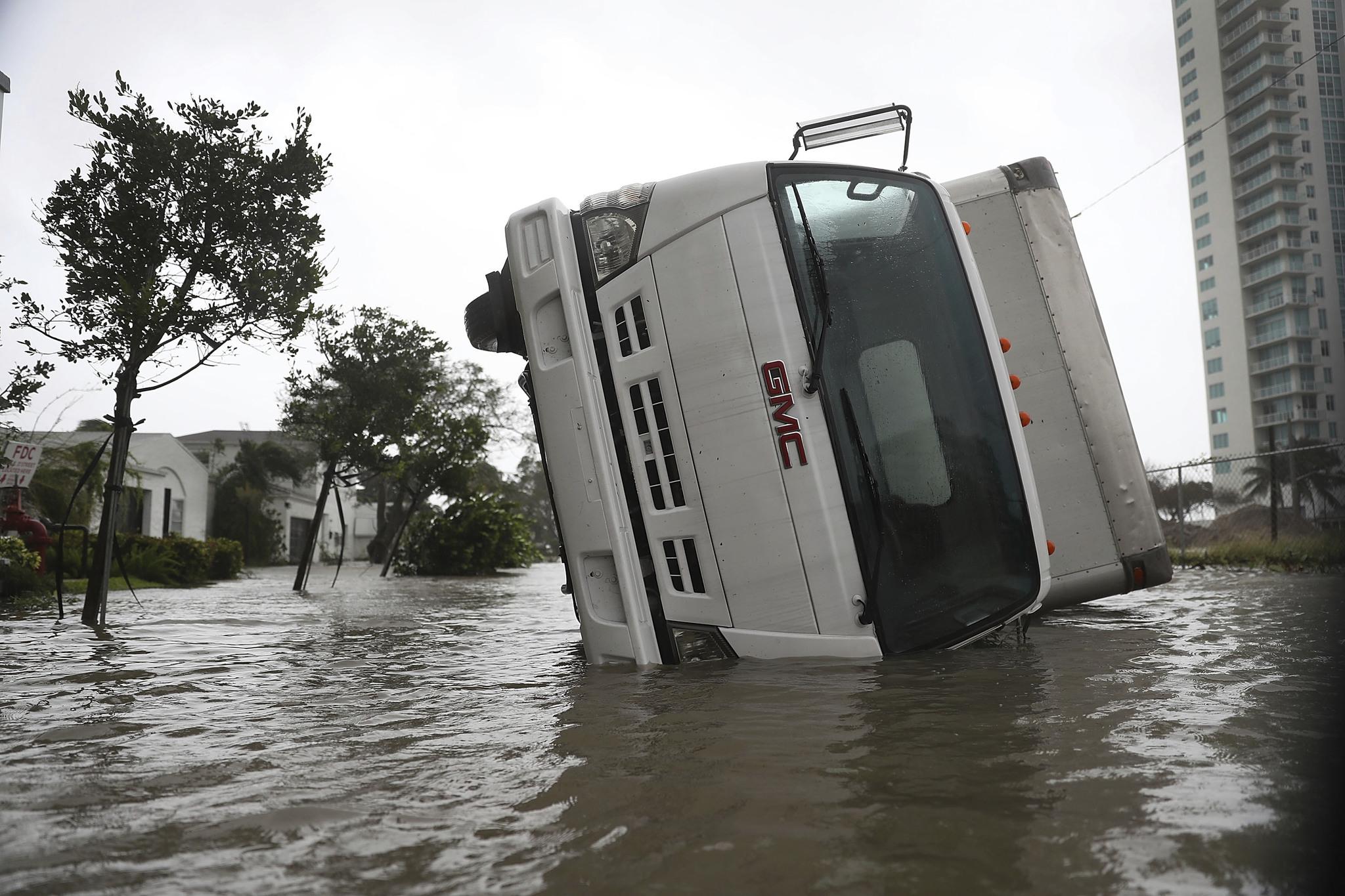 El Huracán Irma ha dejado a cientos de familias incomunicadas