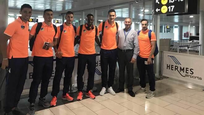 Jugadores del Apoel, justo antes de salir a Madrid.