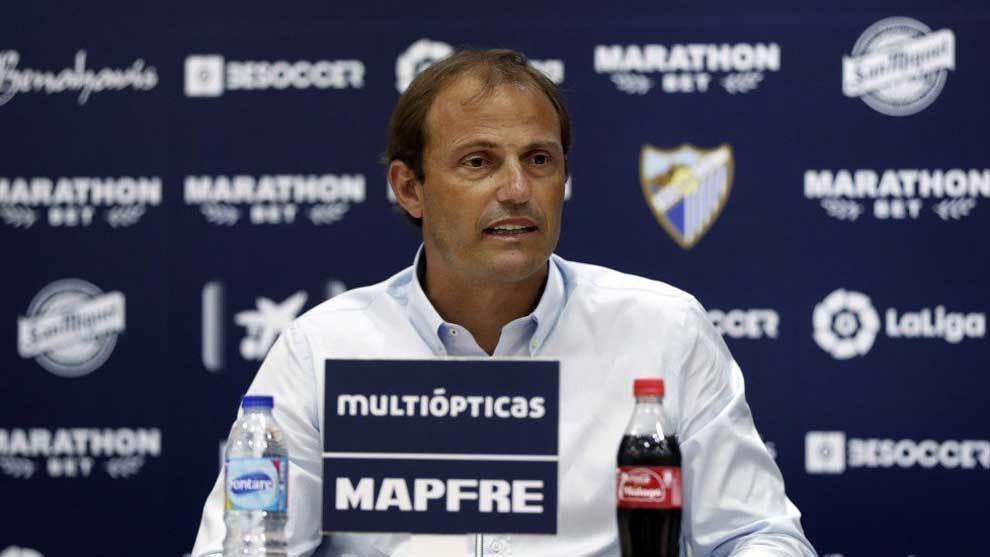 Arnau explica en rueda de prensa la marcha de Fornals al Villarreal.