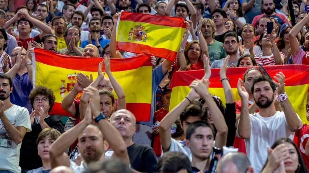 Aficionados españoles animando a España en el Eurobasket