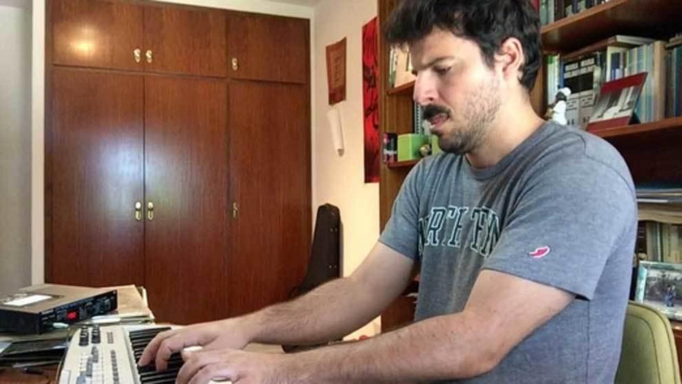 Tomás Fosch, el doble pianista de Leo Messi