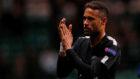 Neymar (25) aplaude tras el final del partido entre el Celtic y el PSG