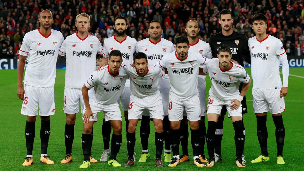 Once inicial del Sevilla en Anfield frente al Liverpool.