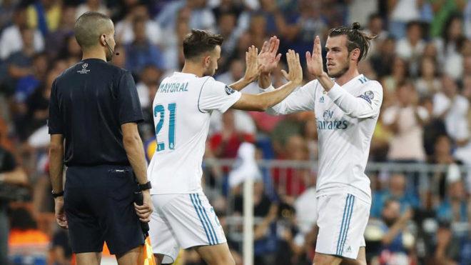 Bale, en el cambio con Mayoral.