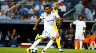 Casemiro (25), en una acción del partido entre el Real Madrid y el...