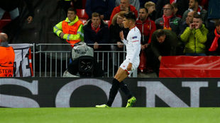 Joaquín Correa celebra el tanto del empate en Anfield.
