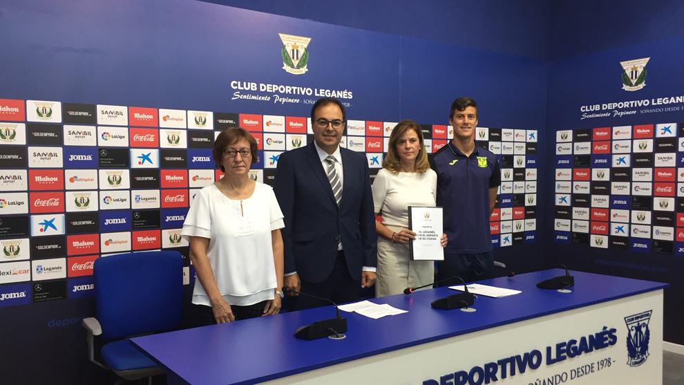 Elena Ayllón, Santiago Llorente, Victoria Pavón y Martín Mantovani,...