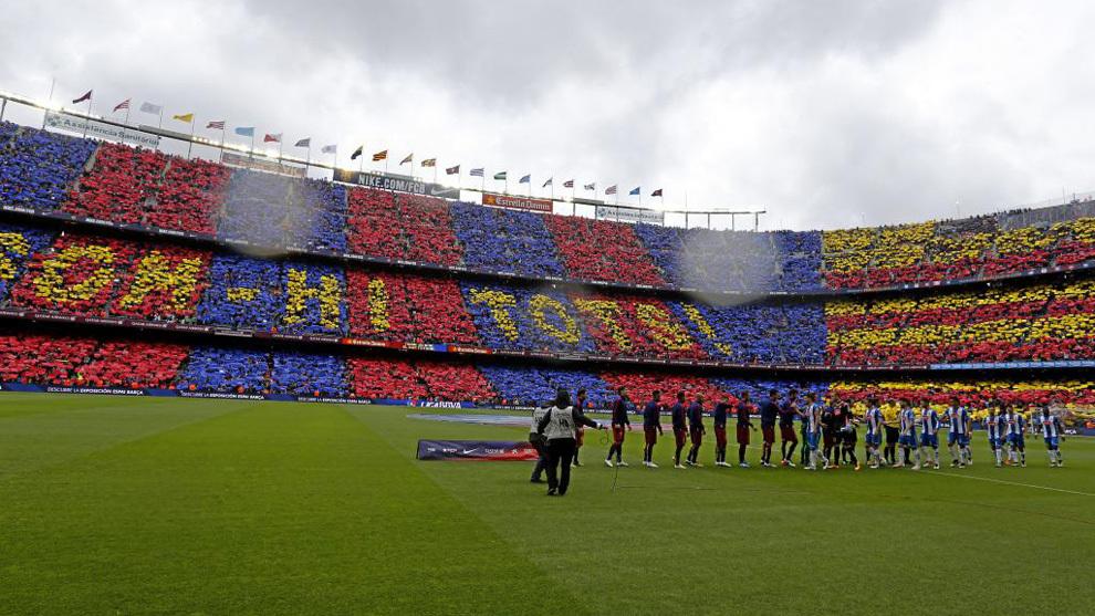 Un mosaico en el Camp Nou en un partido frente al Espanyol