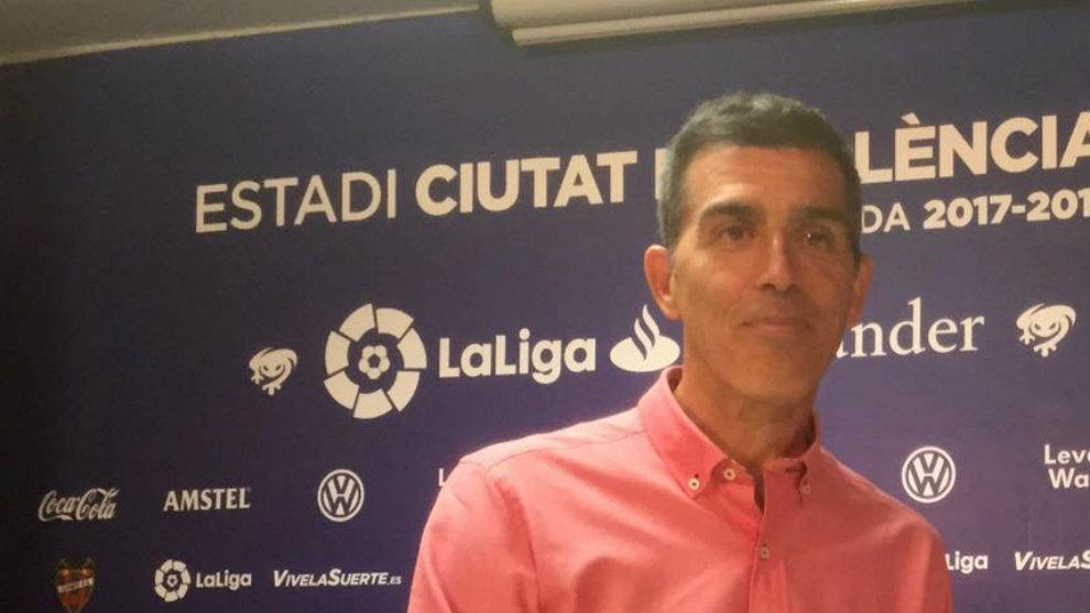 Muñiz, durante la rueda de prensa conjunta con Marcelino.
