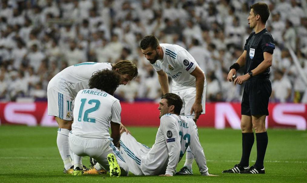 Kovacic siendo consolado por sus compañeros en el día de ayer.