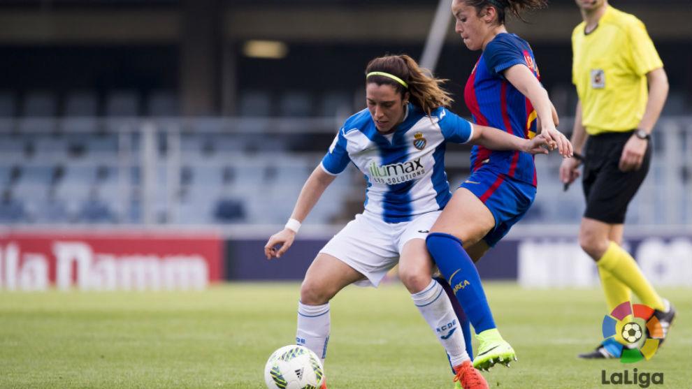 Cristina Baudet jugando ante el Barcelona la temporada pasada.