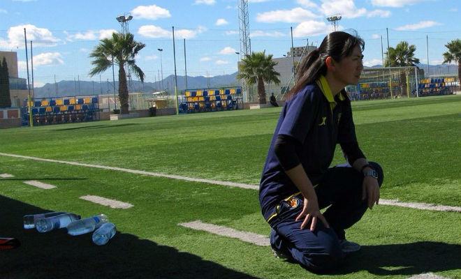 Yuriko Saeki en su etapa como entrenadora del Villarreal.