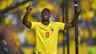 Caicedo (29) celebra tras anotar un gol en el partido entre las...