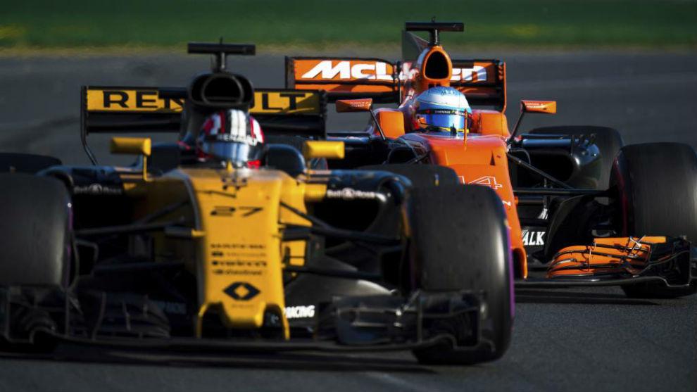 El Renault de Hulkenberg y el McLaren de Alonso, en Melbourne