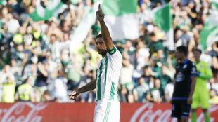 Joaqu�n, celebrando un gol