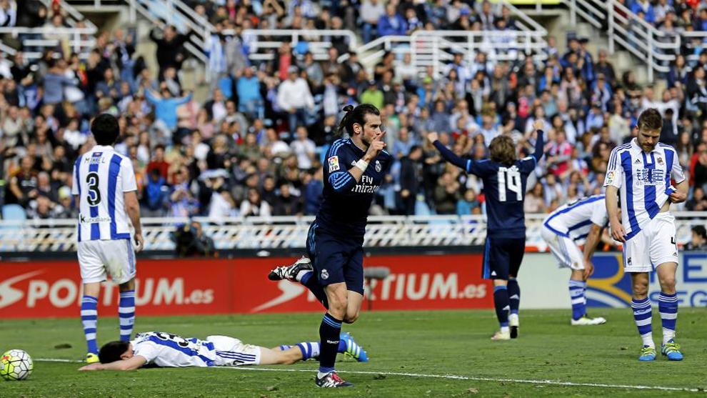 Bale (28) celebra tras anotar en Anoeta el 30 de julio de 2016