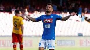 Dries Mertens celebrando un gol ante el Benevento