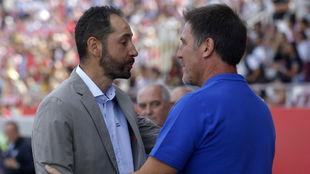 Pablo Machín y Berizzo se saludan en Montelivi.