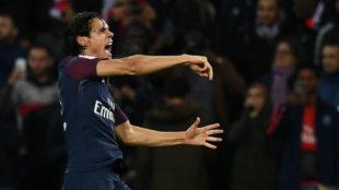 Edinson Cavani celebra el gol del 1-0