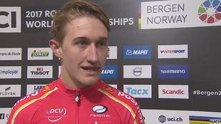 Mikkel Bjerg, en la zona de entrevistas tras ganar el Mundial crono...