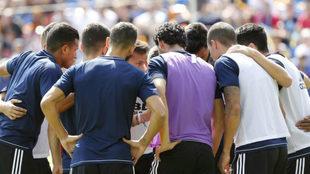 El equipo concentrado minutos antes de medirse al Levante.
