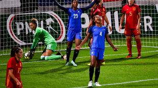 Laura Georges celebra el primer gol frente a España.