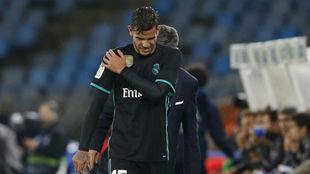 Theo se retira en Anoeta por el golpe en el hombro