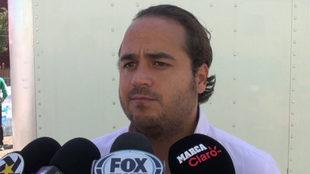 Jesús Martínez atiende a los medios.