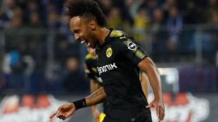 Aubameyang celebra su gol al Hamburgo.