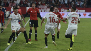 Celebración del gol de Navas ante Las Palmas.
