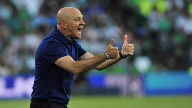 Pepe Mel gesticula durante un partido del Deportivo.