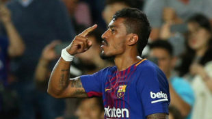 Paulinho (29) celebra tras anotar un gol en la victoria (6-1) del...