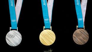 La medallas que se entregarán en los Juegos de PyeongChang.