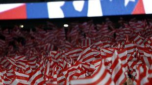 Afición del Atlético de Madrid en la inauguración del estadio Wanda...