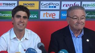 Mikel Landa, presidente de la Fundaci�n Euskadi, y Miguel Madariaga,...