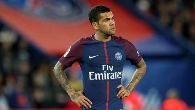 Alves, con el PSG.