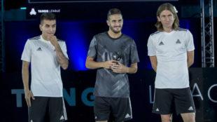 Correa, Koke y Filipe Luis en el acto de este jueves.