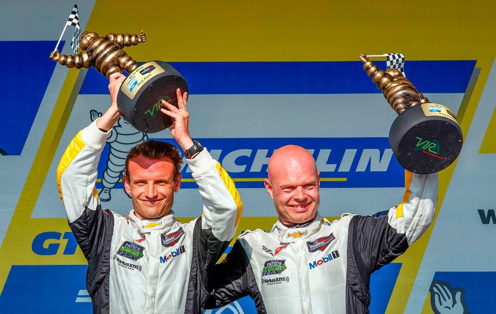 García y Magnussen, en lo más alto del podio de la última prueba...