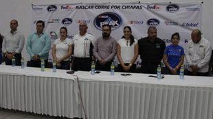 Presentación de la NASCAR PEAK México Series, en apoyo a Chiapas.
