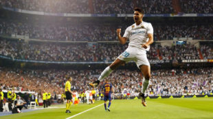 Asensio celebra su gol al Bar�a en el Bernab�u.