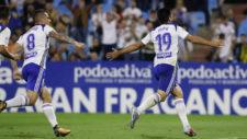 Papu celebra su primer gol con el Real Zaragoza ante el Lugo