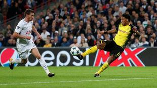 Gol anulado a Aubameyang frente al Tottenham.