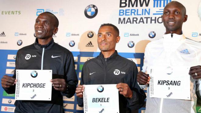 Eliud Kipchoge, Kenenisa Bekele y Wilson Kipsang durante una rueda de...